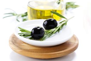 olivkovoe-maslo-dlja-volos