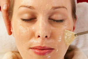 Омолаживающие маски с желатином для лица