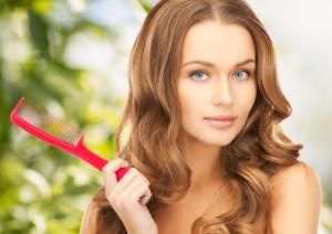 Как остановить выпадение волос у женщин и увеличить их густоту