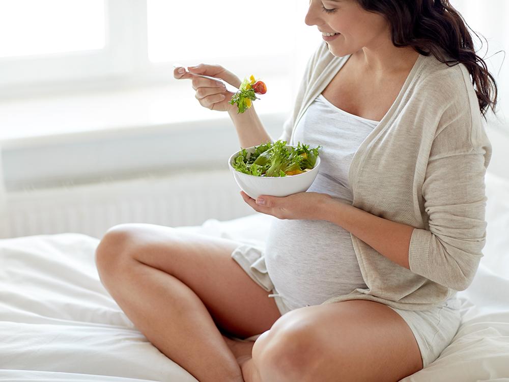 Режим питания очень важен для будущей мамы!