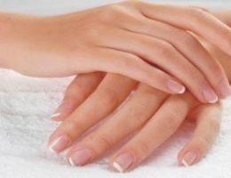 Миниатюра к статье Что делать когда слоятся ногти на руках