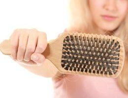 Миниатюра к статье Народные средства от выпадения волос у женщин