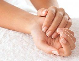 Миниатюра к статье Как укрепить ногти чтобы они не слоились и не ломались: домашние рецепты