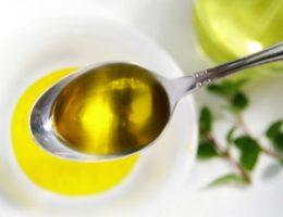 Миниатюра к статье Маски для волос с оливковым маслом в домашних условиях
