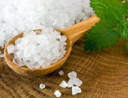 Миниатюра к статье Морская соль для ванны: польза и вред